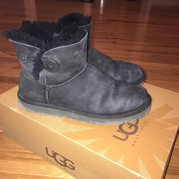 eb0b50e32f0 Uggs Mini Bailey Button Boots Black Size 9